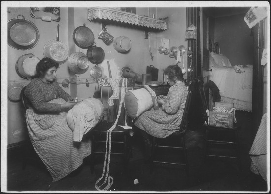 Mrs._Palontona_and_13_year_old_daughter,_working_on_pillow-lace_in_dirty_kitchen_of_their_tenement_home._They_were..._-_NARA_-_523503
